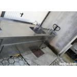 Inox pult z dvojnim pomivalnim koritom in sanitarnim umivaln